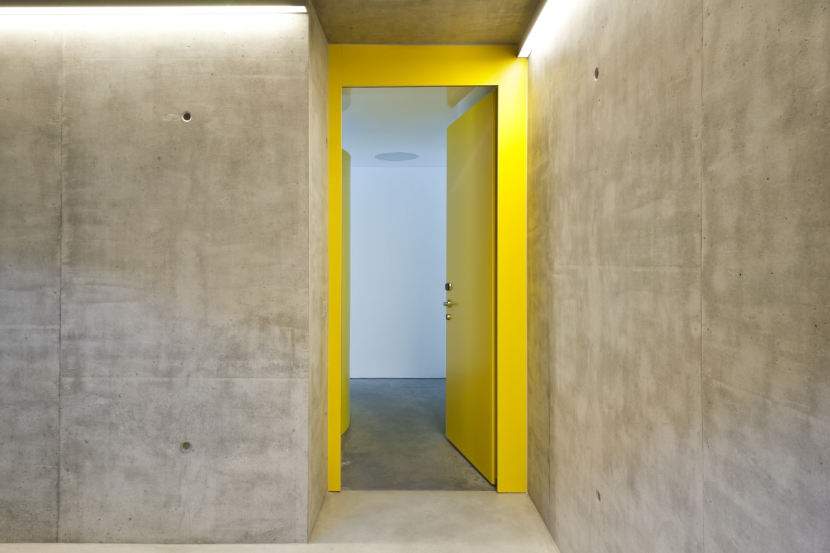 betonlook muur stucen